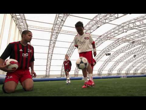 AC Milan Soccer Schools – Lesson 1 – kick Ups