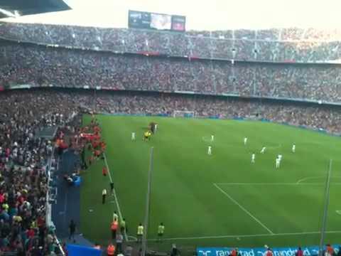Ronaldinho returns to Nou Camp for AC Milan V Barcelona