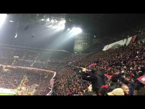 MILAN-INTER  20/11/2016  AC MIlan fans singing Sara perche
